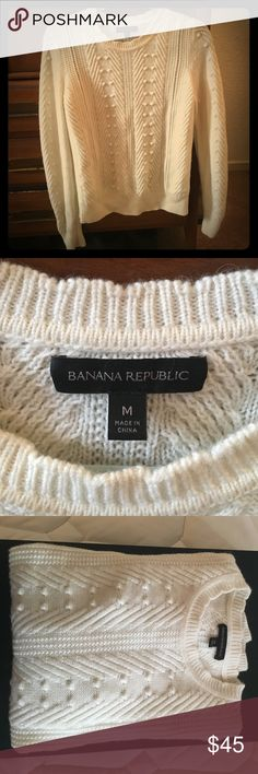 Banana Republic Sweater Cozy cream colored Banana Republic sweater - really nice, I wore it maybe 3-5 times so it is in perfect condition. Very warm and great for layering work or casual. So soft! Banana Republic Sweaters Crew & Scoop Necks