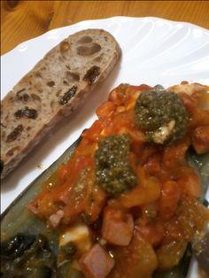 Samfaina amb pesto i pa de panses