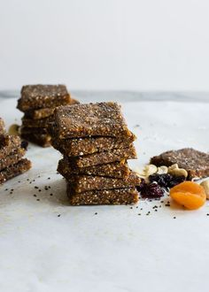 Apricot Cherry Energy Bars Recipe | HenryHappened.com