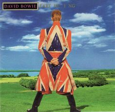 Here's a better shot of the Union Jack jacket I mentioned yesterday. It's the result of a collaboration between Alexander McQueen and David Bowie and Mr. Bowie opened his Earthling tour… David Bowie Stamps, David Bowie Album Covers, David Bowie Music, Union Jack, Sete Anos No Tibet, David Bowie Earthling, Seven Years In Tibet, David Bowie Fashion, Royalty