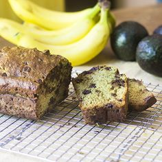 A virtually vegan avocado banana bread ready in less than an hour and made without using any dairy. Swap out the egg and it will be vegan. Avocado Banana Bread, Baked Avocado, Bread Cake, How To Make Bread, Baked Goods, A Food, Food Processor Recipes, Breads, Snacks