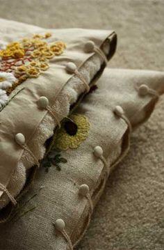Мастер-класс - Обзор по пуговицам из текстиля и МК пуговки-гвоздики