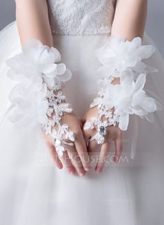Lace With Crystal/Flower Wrist Length Glove - Flower Girl - DressFirst Wedding Dress Accessories, Girls Accessories, Fashion Accessories, Lace Flower Girls, Flower Girl Shoes, Formal Dresses With Sleeves, Gloves Fashion, Wedding Gloves, Dress Cake