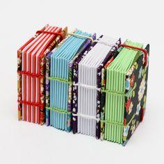 3.+Tahákovník+obecný+Připravili+jsme+pro+Vás+ručně+vázanou+pidi+midi+knihu.+Využití+je+neomezené.+Tato+kniha+Vám+v+kabelce+nezabere+mnoho+místa+a+je+vždy+po+ruce.+------------------------------------------------------+Vnitřní+listy+jsou+poskládány+z+papíru+80g/m2.+Kniha+je+vázaná+koptskou+vazbou.+Výhodou+koptské+vazby+je,+že+lze+knihu+bez+problémů+rozevřít+a+tudíž+je...
