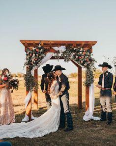 Décoration florale. #wedding #weddingplanner #country #countrywedding #unitedstates #texas
