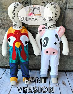 Heihei Costume, Moana Costume Diy, Moana Halloween Costume, Sibling Halloween Costumes, Sibling Costume, Pig Costumes, First Halloween, Family Costumes, Disney Costumes