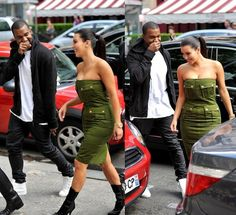 Kanye West and Kim Kardashian were spotted leaving the L'Avenue restaurant together in Paris, France.
