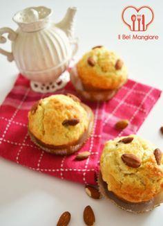 Muffin con mandorle e marmellata