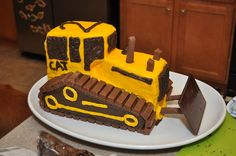 construction birthday cakes | Construction birthday party: bulldozer cake - balhoff's Photos