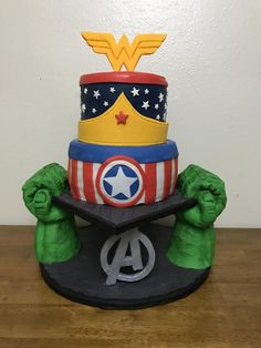 Wonder Woman/Avengers - Cake by Titistreats