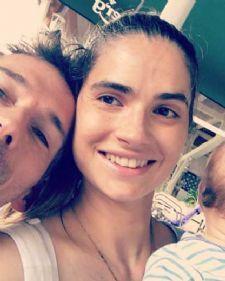Poznata glumica Marija Karan je sa sinom i suprugom odlučila da se vrati u svoj rodni grad.