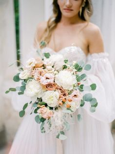 This intimate elopement in the gardens of Ravello with bright flowers and cobblestone streets is more than my heart can handle. We especially love the soft and romantic bridal dress and cozy table for two overlooking the Amalfi Coast. Bridal Bouquet Fall, Blush Bouquet, Blush Roses, Bridal Bouquets, Blush Wedding Flowers, Winter Wedding Flowers, Flower Bouquet Wedding, Green Wedding, Wedding Planner Italy