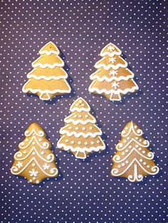 Cute and Easy Christmas Cookies Ideas You'll Love This Holiday Season - Page 31 of 75 - Kornelia Beauty Christmas Mood, Christmas Sweets, Christmas Gingerbread, Christmas Cooking, Noel Christmas, Christmas Goodies, Fancy Cookies, Iced Cookies, Christmas Sugar Cookies