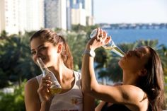 Top 7 Bars You Have to Visit in Miami 🍺 ☀️ 🍷 😎  🌞  🏝  ⛱  🌅  🚴🏽 : https://botyapp.com/blog-top-bars-miami/ #Miami #bars #blog