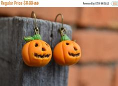 ON SALE Halloween earrings. Pumpkin earrings. by IvannaFlorist