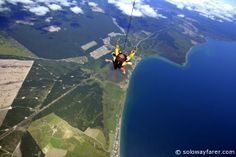 Taupo Tandem Skydiving http://solowayfarer.com/2013/12/taupo-tandem-skydiving/