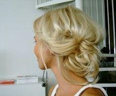 Cute i love the blonde shade.