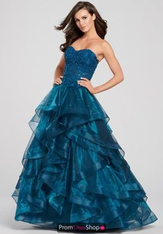 The official Ellie Wilde collection of prom dresses and evening gowns is available now at Rissy Roo's. Ellie Wilde designer dress is perfect for your upcoming special occasion. Tulle Dress, Strapless Dress Formal, Dress Up, Formal Dresses, Fancy Dress, Sexy Dresses, Blue Dresses, Beautiful Prom Dresses, Homecoming Dresses
