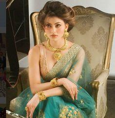 Urvashi Rautela Photos Height Weight 2018 Breast Hip Bra Size Urvashi Rautela is an Bollywood model and actress. Bollywood Celebrities, Bollywood Actress, Look Short, Indian Models, Saree Dress, Saree Styles, Amai, Indian Designer Wear, India Beauty