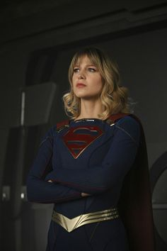 supergirl episode 518 the missing link promotional photo 03 - SpoilerTV Image Gallery Supergirl Outfit, Supergirl 2015, Supergirl And Flash, Supergirl Superman, Lazy Fall Outfits, Girl Outfits, Fashion Outfits, Melisa Benoist, Dc Comics