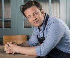 http://www.mindmegette.hu/Jamie Oliveren, ha valamennyit fogott is az idő vasfoga, azért azt nem mondhatjuk, hogy olyan sokat változott volna az elmúlt 15-20 évben. Most egy interjúban elárulta, mi a fiatalos külsejének  titka: az olívaolaj.