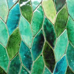 Green Tile Backsplash, Mosaic Tiles, Wall Tiles, Tiling, Green Bathroom Tiles, Green Tiles, Bathroom Colours, Terrazzo Tile, Mosaic Art