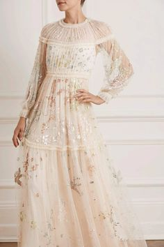 Delphine Sequin Gown Ellie Saab Bridal, Short Gowns, Sequin Gown, Size Model, Formal Dresses, Wedding Dresses, Chic Outfits, Bridal Gowns, Dress Up