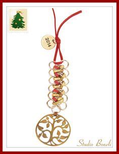 Χειροποίητο Χριστουγεννιάτικο Γούρι για να υποδεχθείτε με στυλ το 2014! #Christmas #Charms Xmas, Christmas Ornaments, Lucky Charm, Paracord, Washer Necklace, Charms, Decorations, Holiday Decor, Jewelry