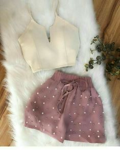Tips on women's fashion this year - fashion trend Crop Top Outfits, Cute Casual Outfits, Short Outfits, Stylish Outfits, Spring Outfits, Teen Fashion Outfits, Look Fashion, Fashion Dresses, Womens Fashion