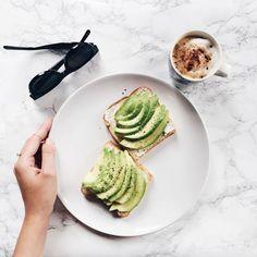 avocado-toast-temple:  Yum lunch break! #avocadotoast #céline by mija_mija https://instagram.com/p/5uQGqxR5ry/