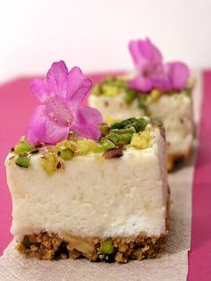 Faith cookies: a land flowing with milk and honey Greek Sweets, Greek Desserts, Yemeni Food, Middle Eastern Sweets, Dessert Cake Recipes, Icebox Cake, Arabic Food, Eat Dessert First, Tea Cakes