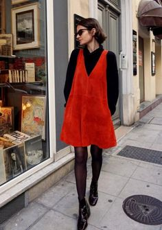 Street style in Paris. Mode Outfits, Fall Outfits, Casual Outfits, Fashion Outfits, Womens Fashion, Looks Street Style, Looks Style, Mode Ootd, Look Retro