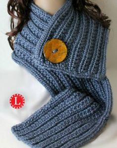 Farrow Rib Stitch Scarf Loom knitting pattern with video tutorial beginner easy project. Learn the U-wrap Knit and the Purl to create this nice rib stitch.