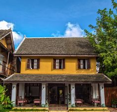 Boutique hotels Luang Prabang, Laos: Burasari Heritage and The Chang Inn Asian Architecture, Hotel Architecture, Architecture Design, Asian House, Thai House, Kerala Traditional House, Style Tropical, French Colonial, Luang Prabang