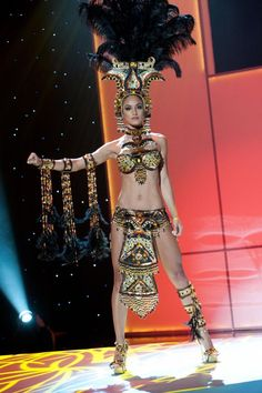 Miss Costa Rica 2011, Johanna Solano  in her National Costume