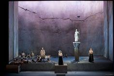 Semiramide at the Teatro di San Carlo Napoli. Production by Luca Ronconi. Sets by Tiziano Santi.