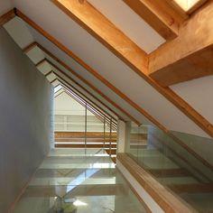Umbau in Hall in Tirol:  120 m²   Altbau    Dachbodenausbau. ⓒ Planung: Melis + Melis   Architekturbüro. Mehr Informationen finden Sie auf unsere website melisplusmelis.com