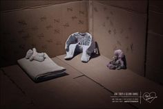 The Petite Maman association collects the children's clothes that you no longer use, to redistribute them to mothers in need in the Ile-de-France region. Creative Advertising, Advertising Agency, Ad Of The World, Old Clothes, En Stock, Magazine Ads, Creative Director, Art Director, Inspiration