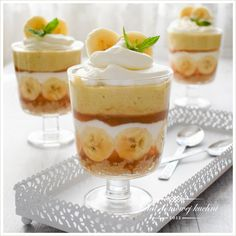 Świat Domowej Kuchni: Deser bananowy z tofii Easy Healthy Smoothie Recipes, Cake Recipes, Dessert Recipes, Banoffee Pie, Summer Desserts, Food Presentation, Food Design, Love Food, Food Porn
