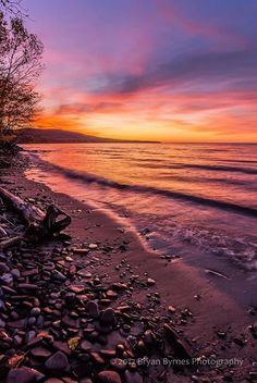 October sunset afterglow on the Lake Superior shoreline at Union Bay. 2017