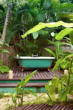 Backyard Escape - Outdoor Bathtubs We Wouldn't Be Able To Get Out Of - Photos
