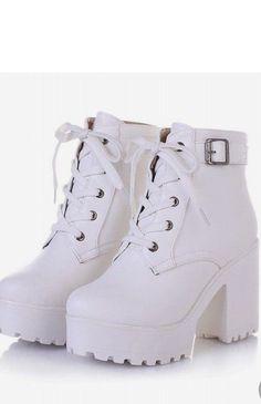#shoefashion Fashion Heels, Fashion Boots, Sneakers Fashion, Fancy Shoes, Pretty Shoes, Heeled Boots, Shoe Boots, Women's Motorcycle Boots, Women Motorcycle