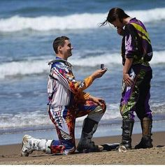 Cute proposal picture so cute i lov happy endings Dirt Bike Couple, Motocross Couple, Motocross Love, Biker Couple, Motocross Girls, Enduro Motocross, Cute Couples Goals, Couple Goals, Save The Date Pictures