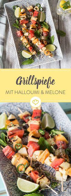 Wer sagt, dass Grillen nur etwas für Fans von Fleisch und Fett ist, kennt vermutlich diese köstlich leichten Spieße mit Halloumi und Melone noch nicht.