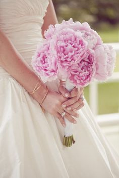LOVE this bouquet!! pink peonies