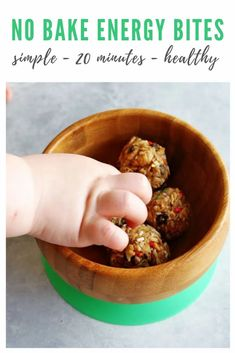 These EASY no-bake, oat protein balls (I like to call them energy bites!) are a nutritious mixture of oats, coconut, wheat germ (or flax meal) and peanut butter. They taste like dessert with the chocolate chip and peanut butter flavors. Ready in just 20 minutes and is perfect for kids or adults looking for a sweet and healthy treat! Healthy Meals For Kids, Healthy Breakfast Recipes, Healthy Treats, Healthy Baking, Brunch Recipes, Snack Recipes, Healthy Brunch, Healthy Food, Homemade Eggnog
