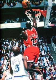 "Michael Jordan and Bryon Russell (Utah Jazz) ""lesson Michael Jordan Slam Dunk, Michael Jordan Photos, Michael Jordan Basketball, Basketball Legends, Basketball Players, Basketball Art, Jordan Xiv, John Stockton, Jeffrey Jordan"