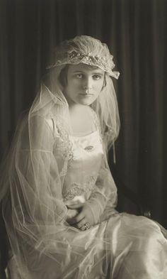 +~+~ Vintage Photograph ~+~+  Art Deco Bridal Portrait