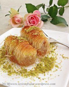 einfacher nachtisch Bu seneki bayram ikramim baklavanin yaninda firinda kadayif dolmasi idi,misafirleri buraktik ev halki tarafindan o kadar sevildiki bitince tekrar yap diye bir hayli israr edildi :) MALZEMELER: 1 pe Ramadan Desserts, Mini Desserts, Dessert Recipes, Turkish Baklava, Sweet Pastries, Cake Tasting, Vegetable Drinks, Time To Eat, Turkish Recipes