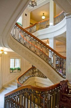 Beautiful #Staircases. Pittock Mansion Grand Staircase, Portland, Oregon